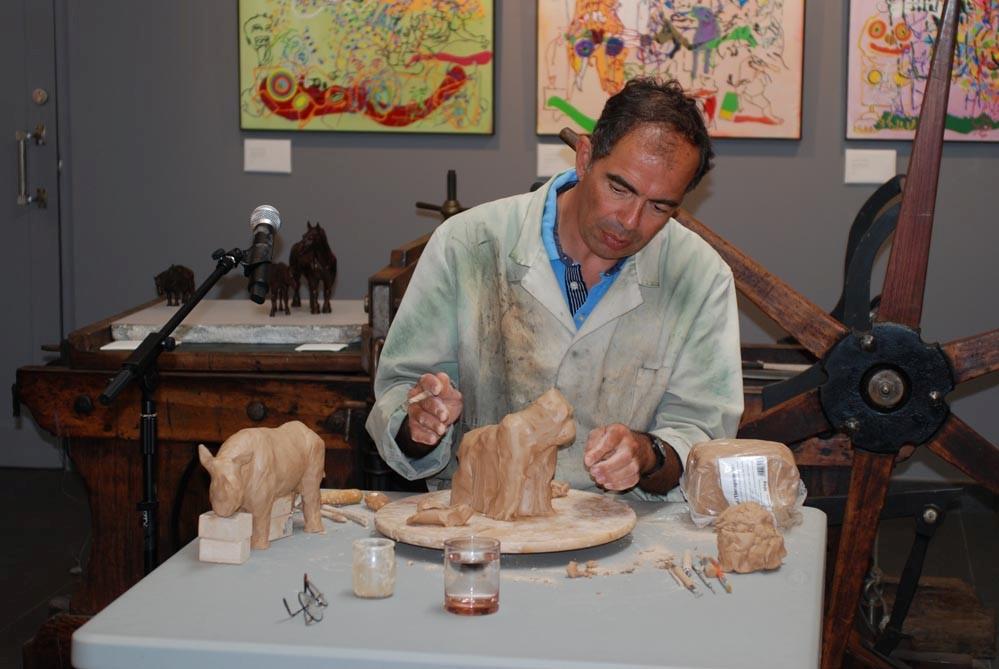 Colcombet sculpteur démonstration terre argile Cristel