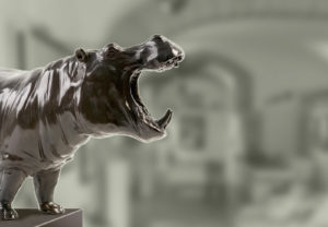 Sculpture en bronze d'un hippopotame