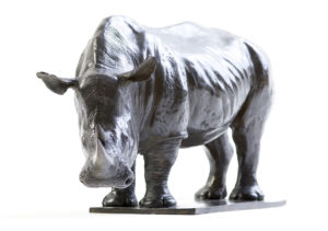 Sculpture en bronze de rhinocéros blanc