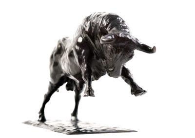 Le taureau chargeant - Vue 02