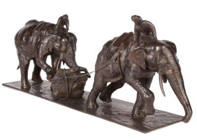 Eléphants d'Asie au travail