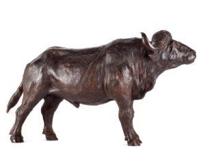 Sculpture en bronze d'un buffle d'Afrique