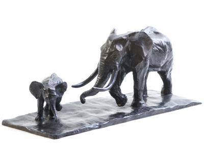 Éléphant d'Afrique et éléphanteau (ÉPUISÉ)
