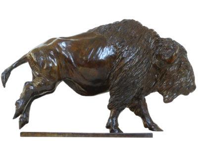 Bison-d'Amérique-au-galop-petit-modèle-vue-03