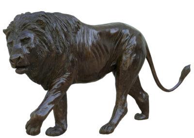 Grand lion marchant