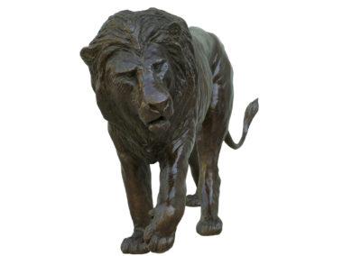 Lion-marchant-bronze-vue-02