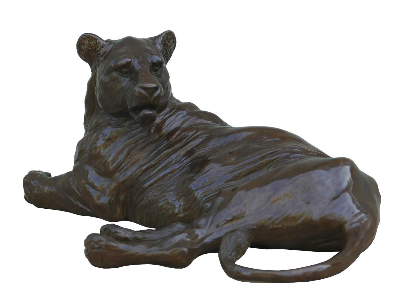 Bronze Colcombet lionne couchée
